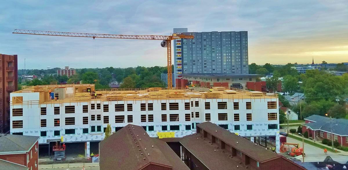 SMT 520 tower crane at Larson Apartments Champaign