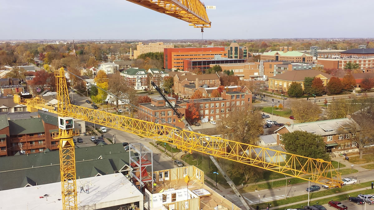 two tower cranes on U of I campus